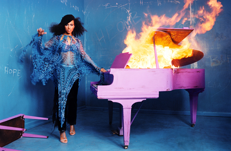 Alicia Keys Piano image